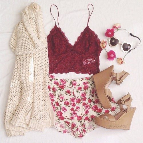Image via We Heart It #cute #fashion #floral #flower #girl ...