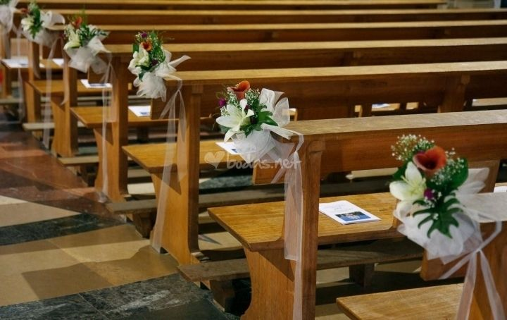 Ideas para decorar la iglesia con flores