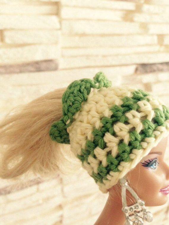 All'uncinetto cappello di chignon disordinato di di CraftCloudy