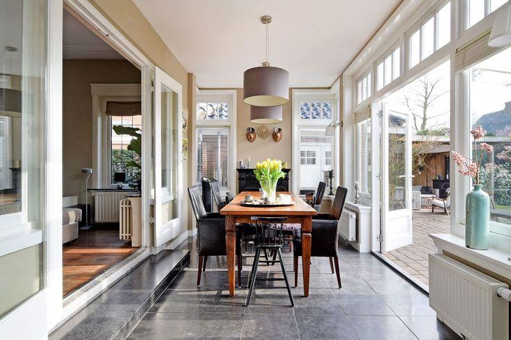 interieur van een aanbouw aan een. Black Bedroom Furniture Sets. Home Design Ideas