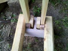 Nice, simple idea......I think I am going to give this one a shot. In the pictures, it looks like the 2x4's are cut in half at an angle. Is there a...