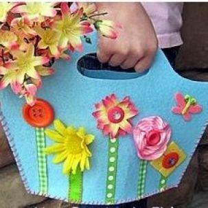 Spring Fling Felt Purse {Free Pattern}