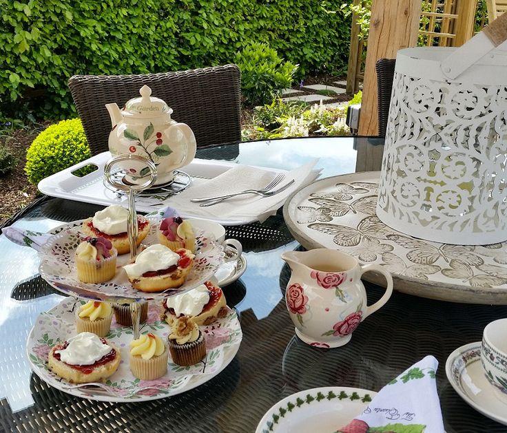 Afternoon tea under the Oak gazebo - lovely! #gardens #gazebo #oakstructure #alfrescodining #afternoontea #englishgarden