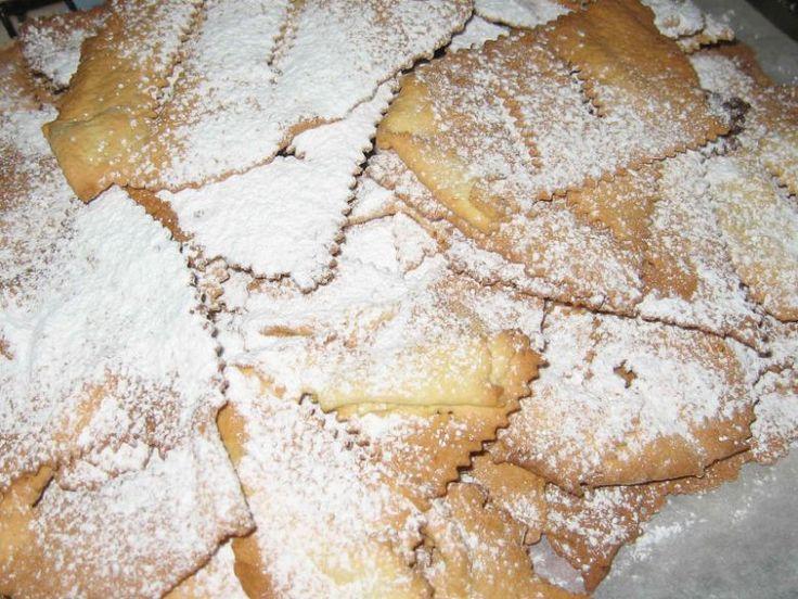 Frappe marchigiane al forno - dolce di carnevale