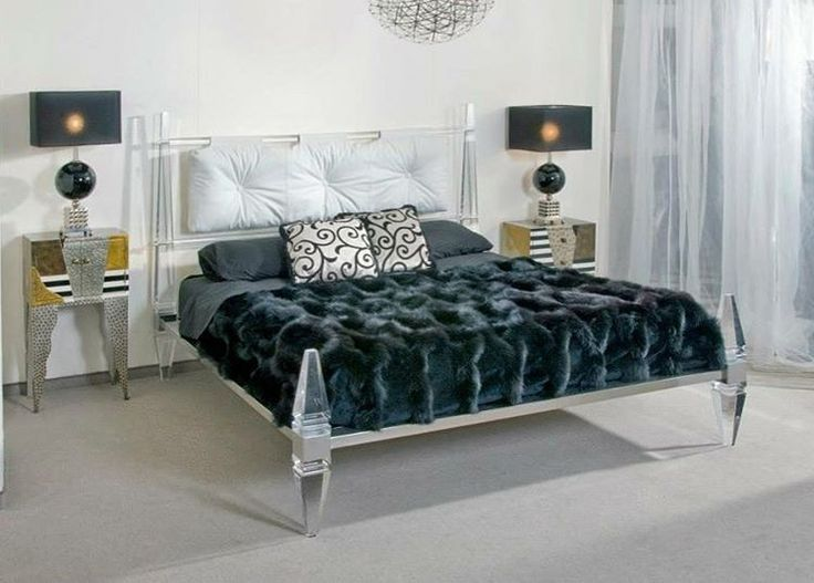 Contemporary chic bedroom, www.wama.mobi #love#homesweethome#bedroomdesign #likes #madeinitaly #luxury #design #followme