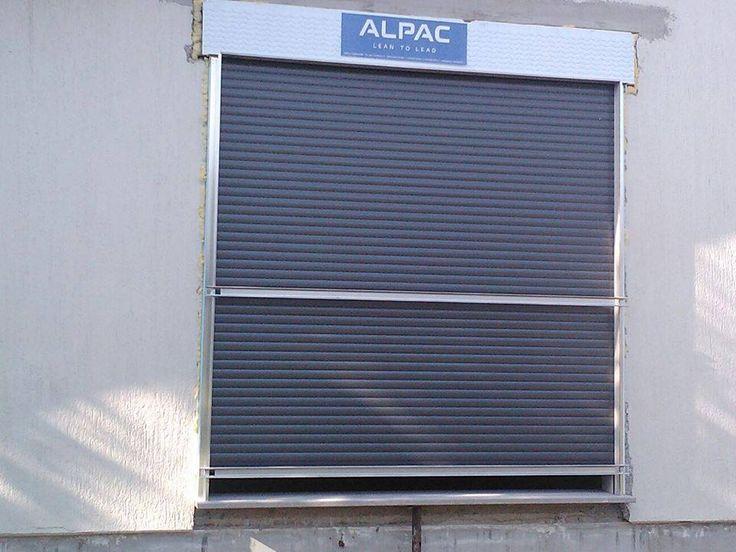 Installazione tapparelle in alluminio coibentate per un elevato risparmio energetico. Movimento motorizzato.