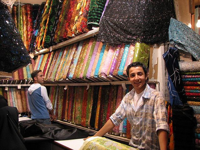 #Syria, #Aleppo 2008, fot. aniarenia, fot. dodana w ramach akcji #uchidźcymilewidziani https://flic.kr/p/5wLenZ | in the souks of Aleppo | are these the fabrics women wear under their black robes??