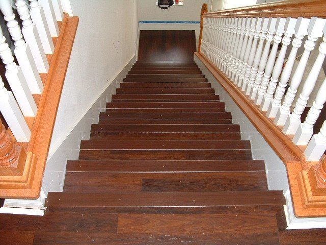 Best Laminate Flooring On Stairs Visit More Http Awoodrailing 400 x 300