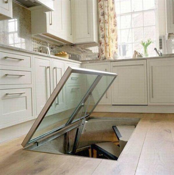 Этот мужчина сделал на кухне потайное окно в полу. Ты удивишься, когда поймешь зачем