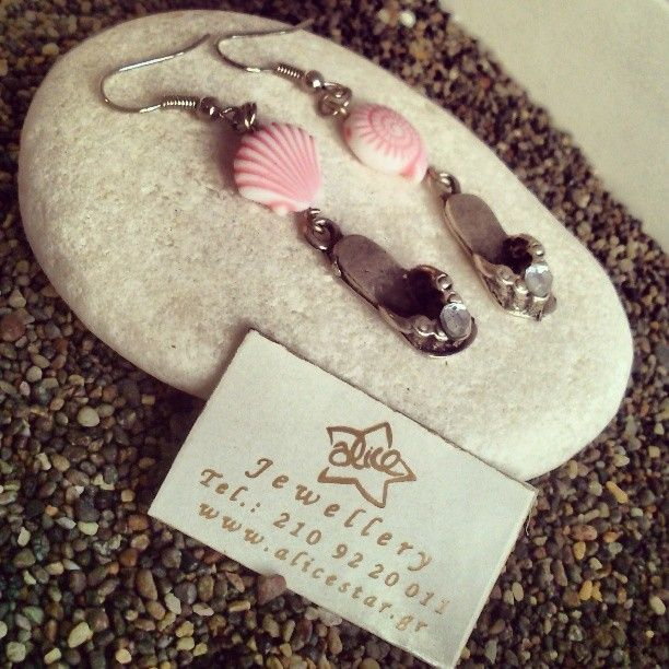 Flip flop ear rings with pink shells https://www.facebook.com/photo.php?fbid=587695101351058&set=a.563507207103181.1073741841.105496976237542&type=3&theater