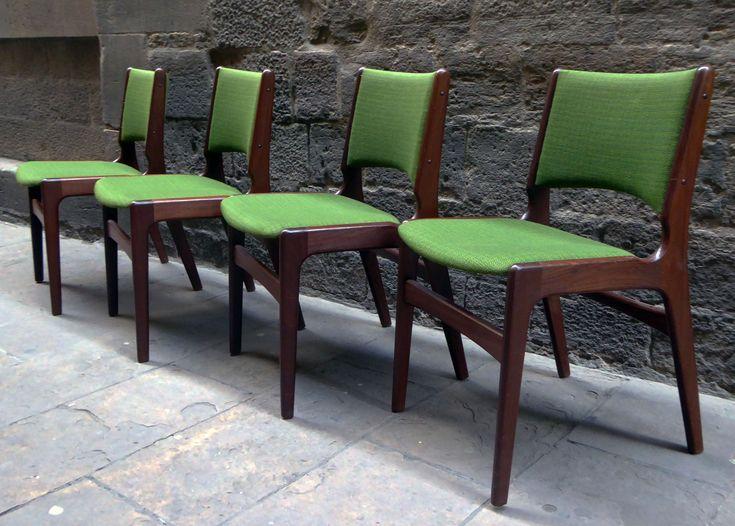 Set de cuatro sillas en teca de diseño escandinavo de los años 60 |