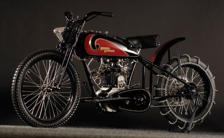 "Fast Is Fast Pea Shooter Harleys: 1931 Harley OHV ""Peashooter"""