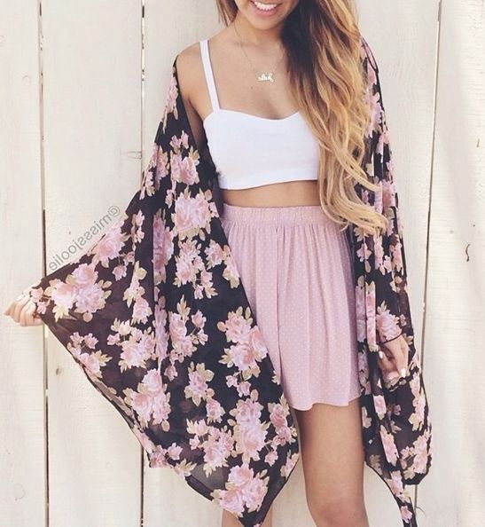 #street #style floral + crop top @wachabuy
