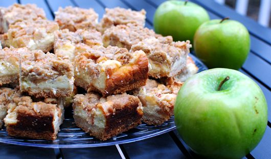 thebakedbeen: apple pie cheesecake bars  I don't care if it does have sugar in it - I am trying these!