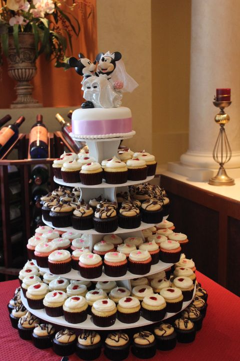 disney wedding cake stand 17 best images about rustic cakes and cupcakes on 13589
