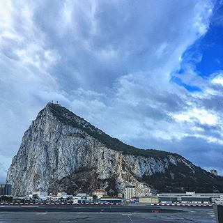 Views from the Gibraltar airport - you can actually stand outside on a balcony and watch the planes come in! Gibraltar, Gibraltar #gibraltar #airportviews #gibraltarrock . . . . . . #restlessworker #travelblog #travelblogger #blog #blogger #canadianblogger #canadianabroad #passionpassport #dametraveler #travelgram #travel #girlsvsglobe #igtravel #wanderlust #airport #airportviews #planes #rock #visitgibraltar #travelgibraltar #gibraltarairport #gibraltarhardware #europe #europetrip…