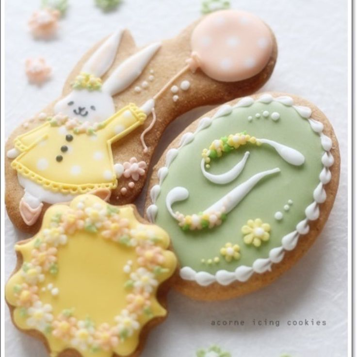 TAOクッキーとセットのオーダークッキー #ordercookies #icingcookies #cute #アイシングクッキー #acorne #イニシャル