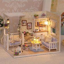 Muñeca Casa Muebles Niños Hágalo usted mismo Cubierta de polvo en Miniatura Casa de Muñecas de Madera 3D Juguetes Li