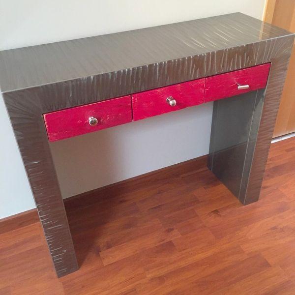 17 meilleures id es propos de console avec tiroir sur. Black Bedroom Furniture Sets. Home Design Ideas