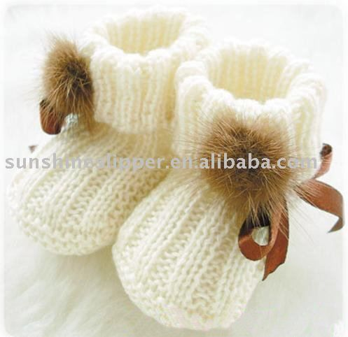 Knitted baby booties. LOVE! Can someone who can actually knit make these, please??: