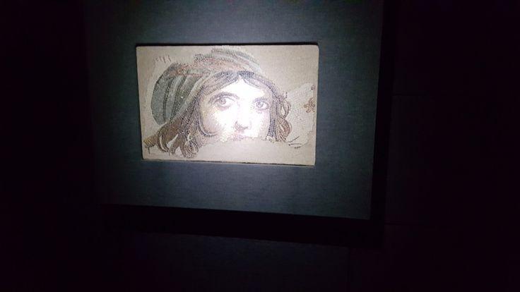 Çingene Kız , Gaziantep Mozaik Müzesinden The Gypsy Girl from  The Gaziantep Mosaic Museum
