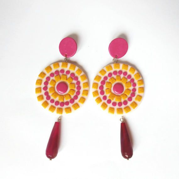 Colorful mosaic earrings made with polymer clay and agate drops. By Beejoujoux