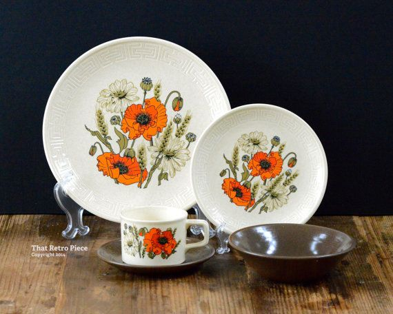 Johnson of Australia 'Poppy' set for four  dinner by ThatRetroPiece, $75.00