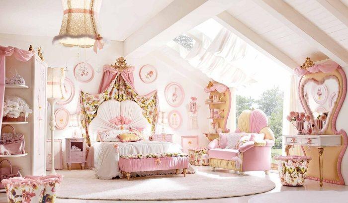 Симпатичная комната для девочек в розовых тонах - это просто рай для настоящей маленькой принцессы.