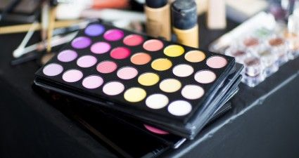 Free makeup! WOW!!