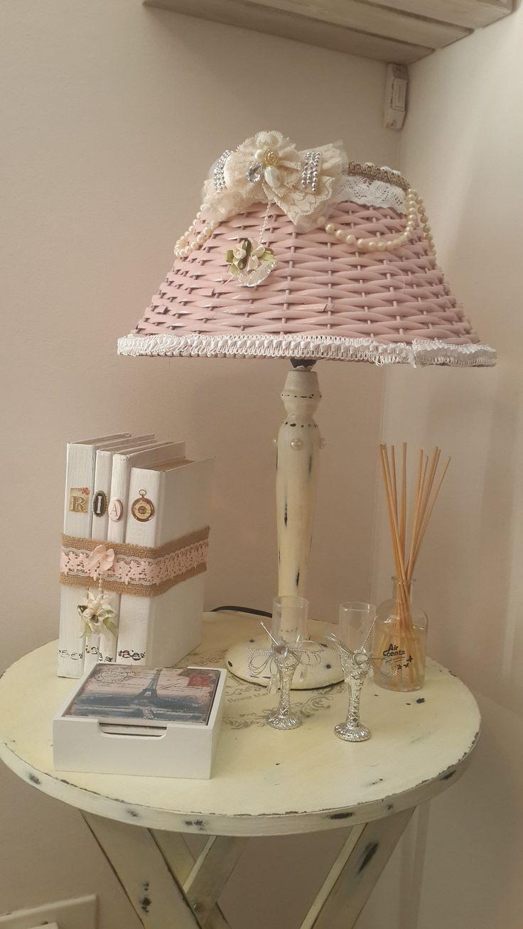 Shabby Chic Lamp, Table & Ornaments - DIY