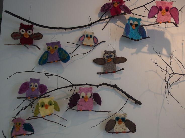 Pöllö opettelee neulomaan 4 lk