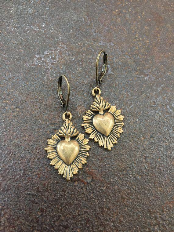 Heiliges Herz verknotet rustikale Bronze von TwoSilverSisters
