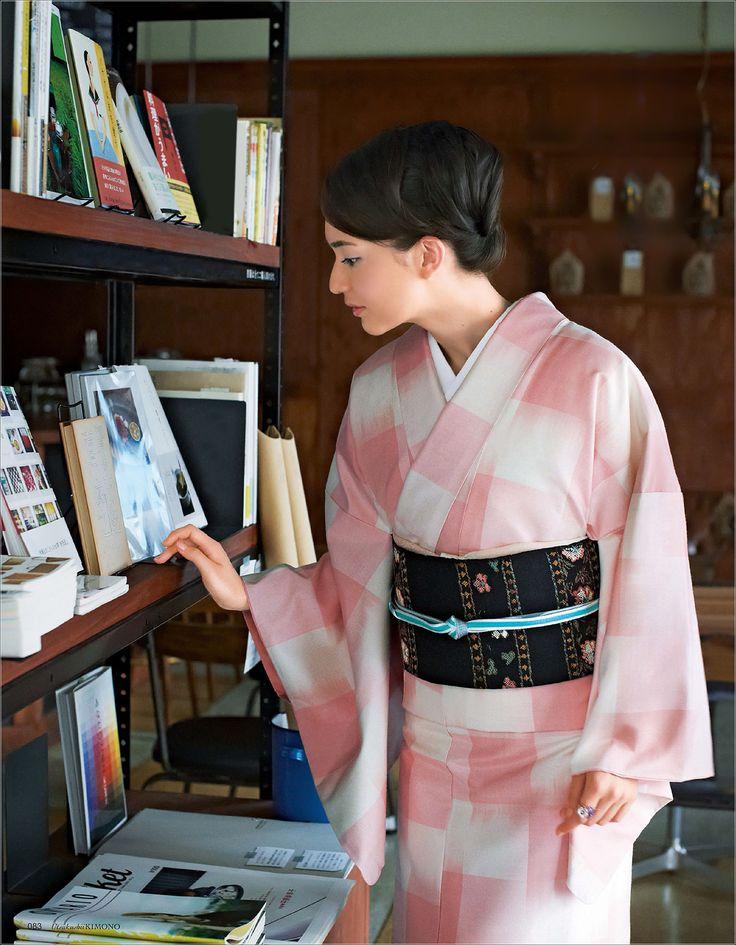澤村花菜 (Hana Sawamura)