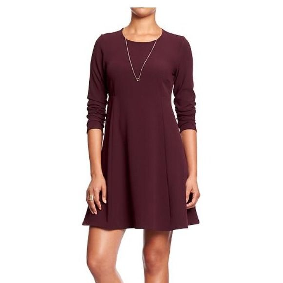 Old Navy Dress So cute! Maroon color dress! Size large petite, but could fit regular size too ! Old Navy Dresses