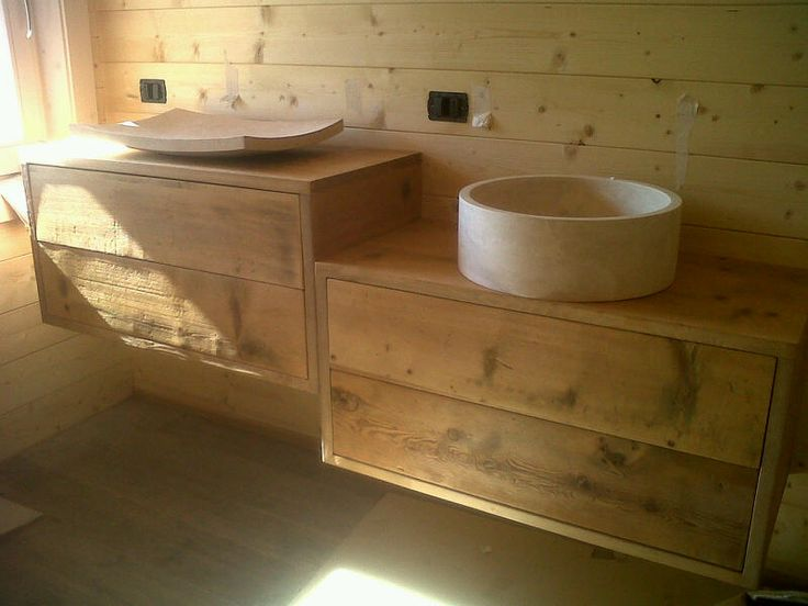 Oltre 25 fantastiche idee su lavello esterno su pinterest lavandini all 39 aperto pergolato da - Mobile bagno rustico ...