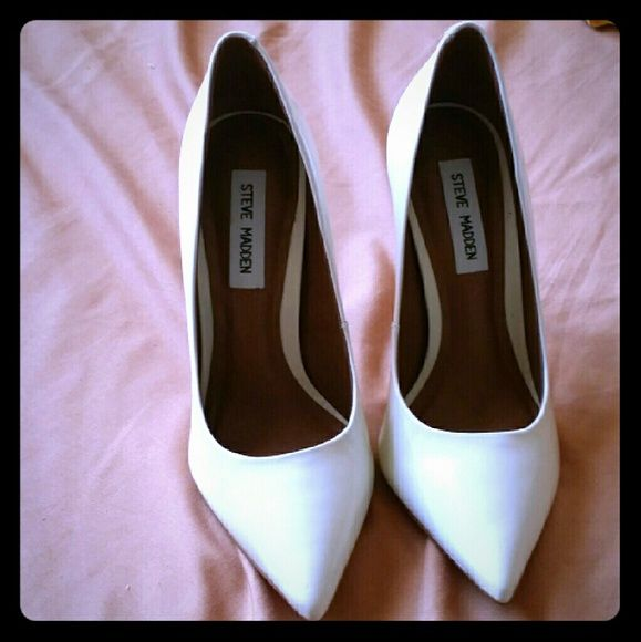 Soft cream high heels Brand new never been used looking to either sell or trade for a size 8 of the same shoe or something different Steve Madden Shoes Heels