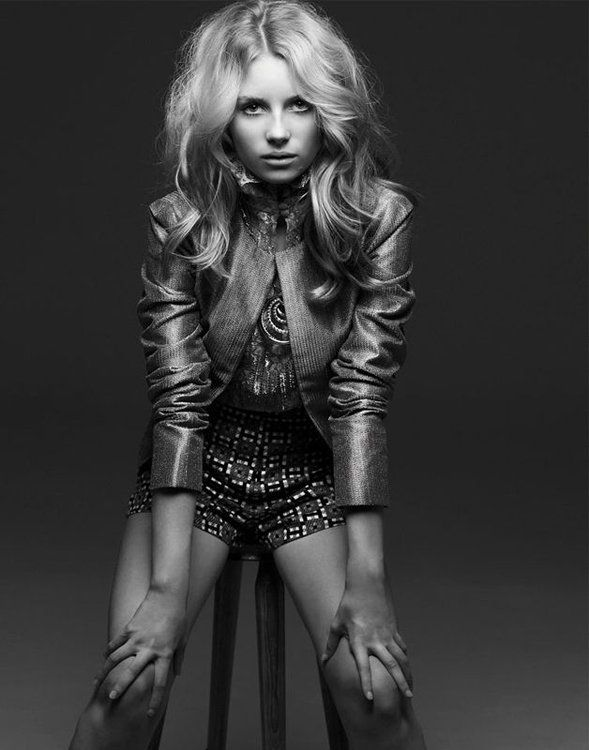 Lottie Moss (Kate Moss's 13 year old sister). Beautiful girl, with beautiful hair :)