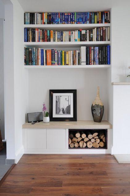 Belle idée que ce coin #lecture avec #bibliothèque et compartiment à #bûches. Il ne manque plus qu'un #poêle ou un #insert à #bois #Stovax pour être bien au chaud tout l'#hiver!