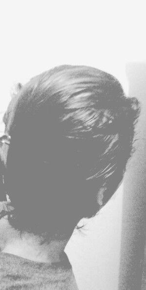 When your hair so long , it make yoh happy :D