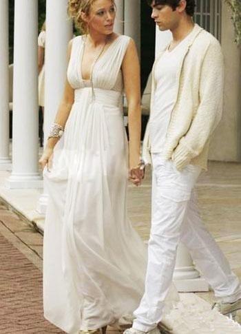 Wholesale Princess A-line Fashion Low Cut Empire Waist Floor Length Satin Chiffon Maxi Celebrity Dress on www.viigoo.com
