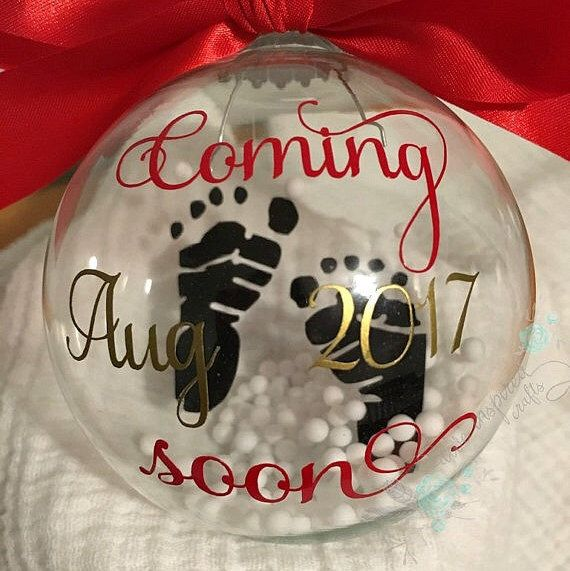 Floating pregnancy announcement ornament by AWEinspiredCrafts on Etsy https://www.etsy.com/listing/475700876/floating-pregnancy-announcement-ornament