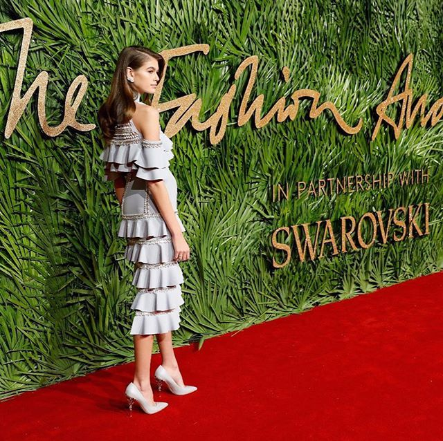 SEE ALL THE LOOKS FROM THE FASHION AWARDS IN LONDON. Link in bio for full gallery. Donatella.Versace Kaia Gerber Suki Waterhouse FKA Twigs Alexa Chung Zendaya and Selena Gomez Words @jessicalouisebailey via GRAZIA AUSTRALIA MAGAZINE OFFICIAL INSTAGRAM - Fashion Campaigns  Haute Couture  Advertising  Editorial Photography  Magazine Cover Designs  Supermodels  Runway Models