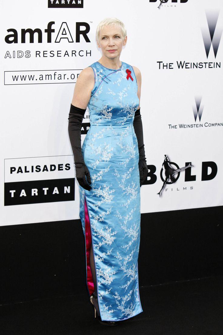 Scottish Songwriter Annie Lennox in Blue Cheongsam Qipao http://www.chinesefashionstyle.com/cheongsams-qipao