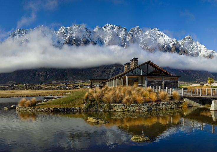 How beautiful were the Remarkables and the Long White Cloud of New Zealand today? Quite incredible! This is a panorama made of several different photos. I made a special how-to video for Passport members (that's a special section of the website at www.StuckInCustoms.com/passport ) about how I made it... cleaning that up now and uploading soon!