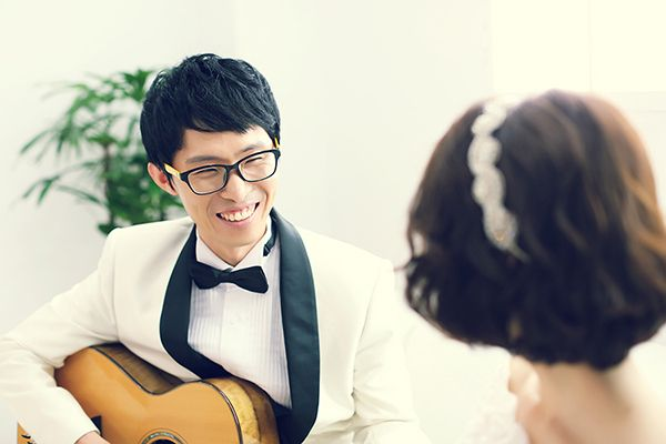 self Couple wedding photo by. wooubi studio 감성 사진 커플 사진 _우유비 스튜디오 셀프 웨딩 wedding photo 세미웨딩 사진