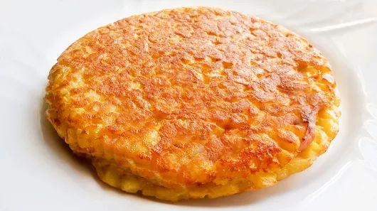 Tortilla de patata rellena de jamón y queso Receta - Gourmetes