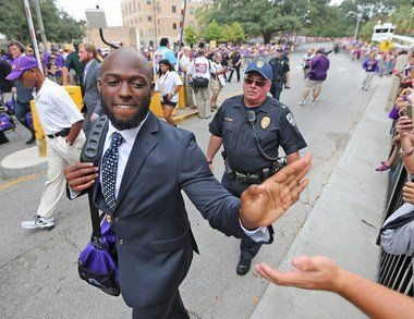 LSU Sophomore RB Leonard Fournette greets LSU fans! Provided by NOLATigers @ NOLATigers on Twitter ~ Check this out too ~ RollTideWarEagle.com for SEC Football Infotainment. #CFB #SEC #LSU