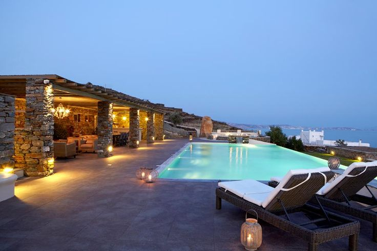 Diles & Rinies in #Tinos island! http://www.tresorhotels.com/en/offers/202/diles-amp-rinies-unforgettable-holidays-in-tinos