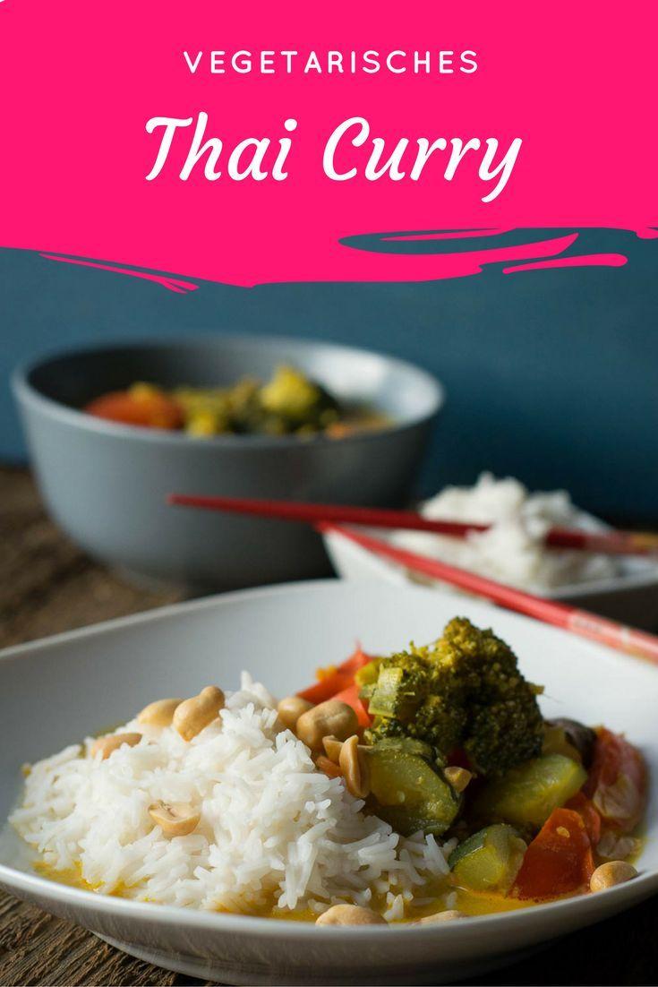 Mega lecker und super einfach zu kochen - vegetarisches Thai Curry mit Kokosmilch und Zitronengras