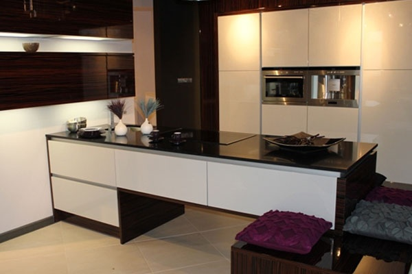Granite Countertops of the best quality, give vibrant look to your home with granite specially designed to your Kitchen. Kitchens Granite Countertops come in different colors and textures, making it easier for people to select their preference.